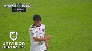 Otra vez Jonathan Orozco salva a Santos, le saca un potente zapatazo a Matías Alustiza