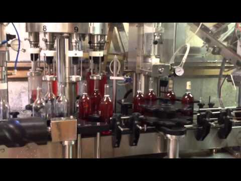 Bottling a rosé at Jewell Towne