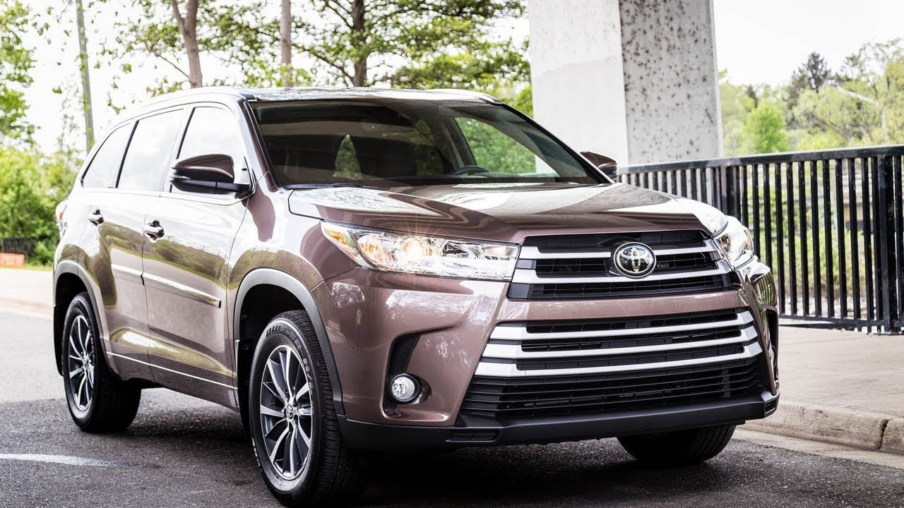 highlander toyota infotainment awd entune hybrid platinum limited driver rating interior dec