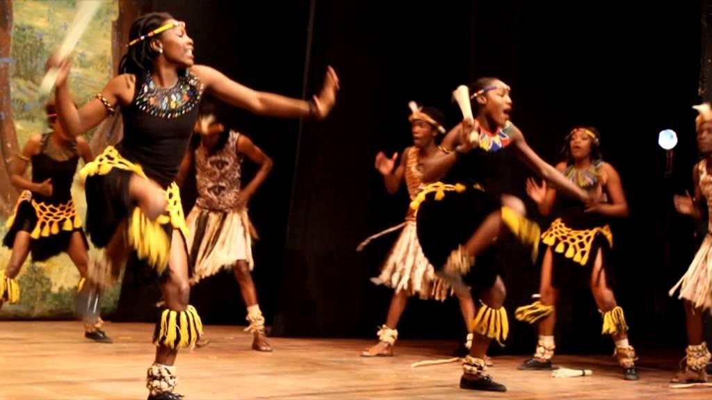Mehndi Traditional Dance In Zimbabwe : Isitshikitsha youtube