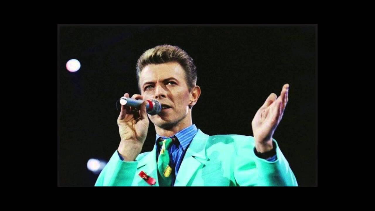 David Bowie Impersonates.....