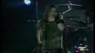 AVRIL LAVIGNE-SK8ER BOI (LIVE MEXICO CITY, OCT 28, 2002)