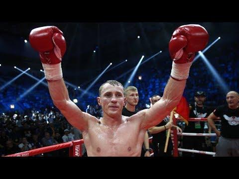Мама боксера Трояновского помогла сыну победить Заградника
