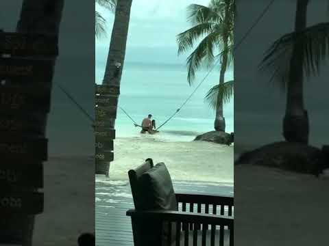 The Woody Show - For The 'Gram Fail: Couple on Sea Swing
