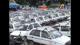Taxi drivers protest against govt. in bringing new cabs