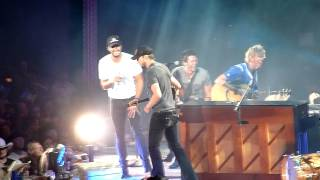 Luke Bryan band intro and shenanigans