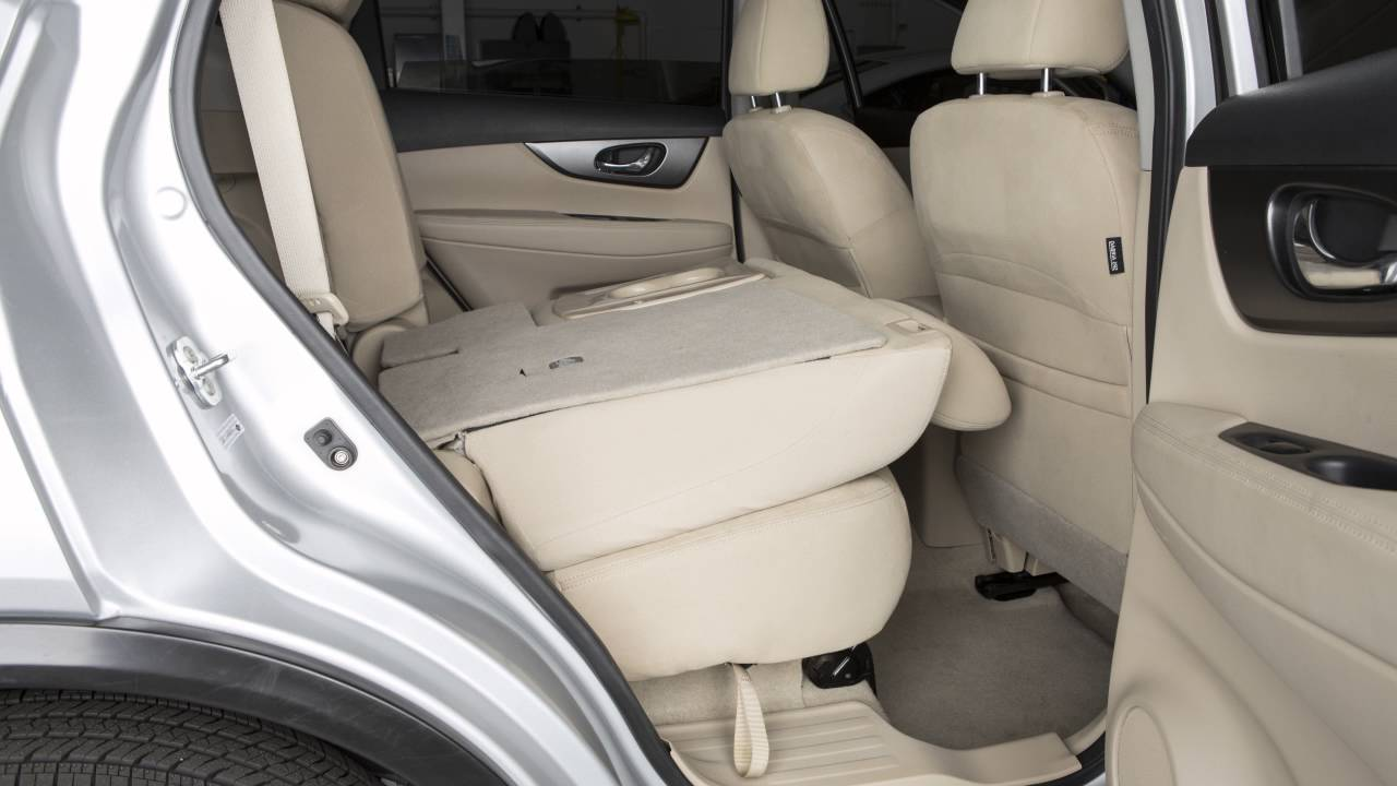 Nissan Rogue Seating >> 2017 Nissan Rogue Seat Adjustments