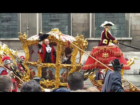 Lord Mayor show 2017 depart from London guildhall