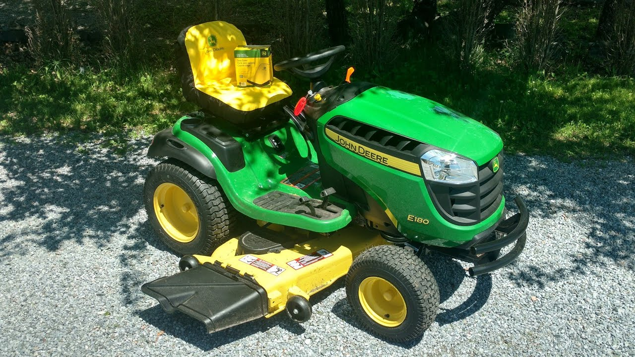 John Deere Garden Seat On Wheels   Gardening: Flower and