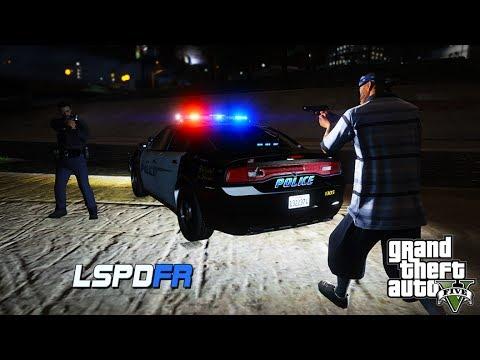 GTA 5 LSPDFR - Gang Activity - Officer Panic Button