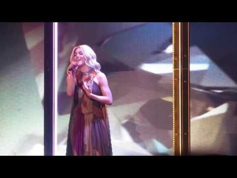 Julianne Hough singing Human by Christina Perri - Move Live On Tour 5/6/17