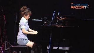 Yui Makino performed her first single Amrita at the National Librar...