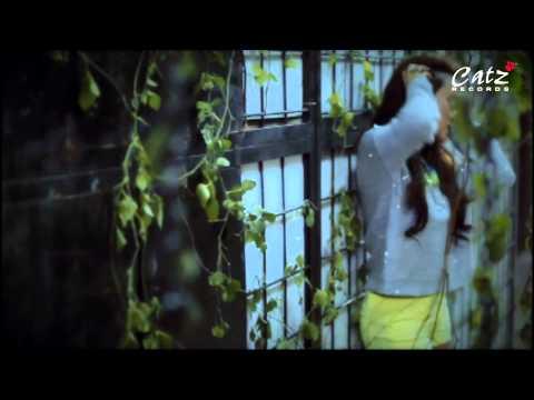 Emily  Laras - Salah Tingkah Official MV