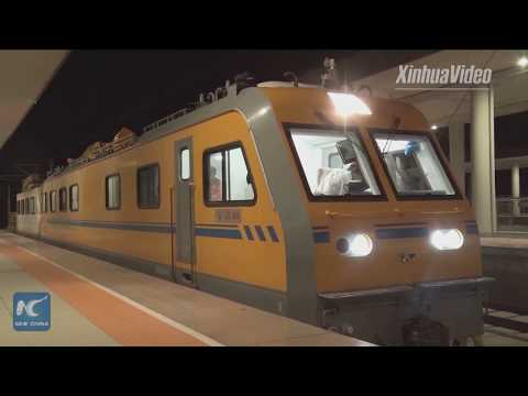 Safeguarding China's high-speed rail! A close look at specialized maintenance vehicle