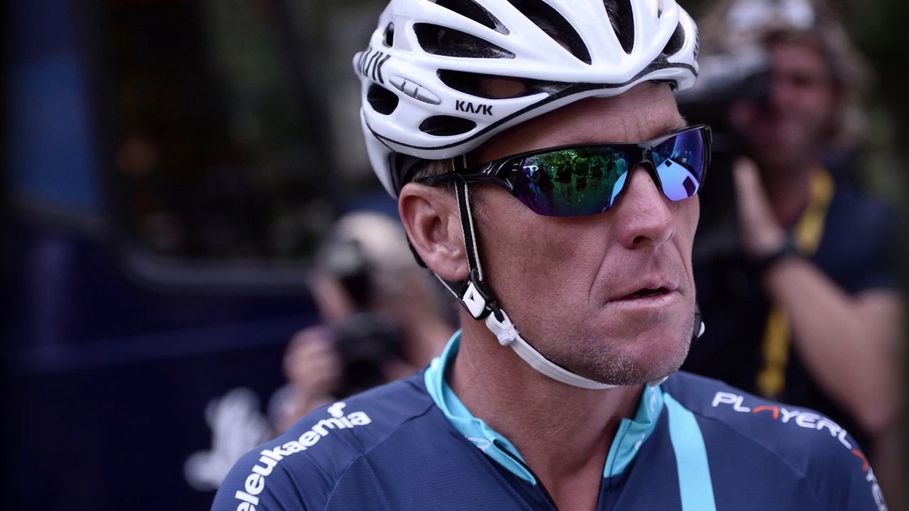 lance armstrong tacle le directeur du tour de france youtube. Black Bedroom Furniture Sets. Home Design Ideas