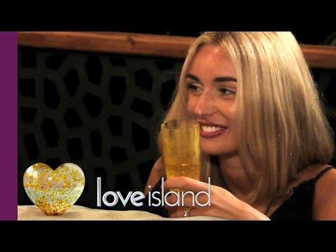 Rykard & Rachel Get Steamy In The Hideaway - Love Island