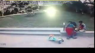 Bhai Ne Bachai Behen Ki Jaan, Maa Ko Hai Naaz