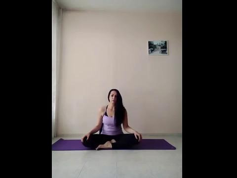 10-минутна Йога за болки във врата,гърба и кръста - YouTube