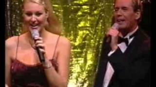 Årets Julkonsert 2001 - Midnatt Råder/Titta Det Snöar/Medley