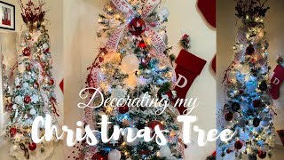 DECORATE MY CHRISTMAS TREE with Me 2020 | Traditional Christmas | Collaboration | Vlogmas Day 9