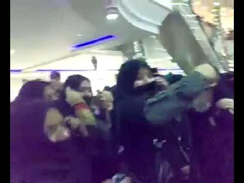 Saudi Girls Dancing in Rashid Mall (Dammam) on Independence Day !