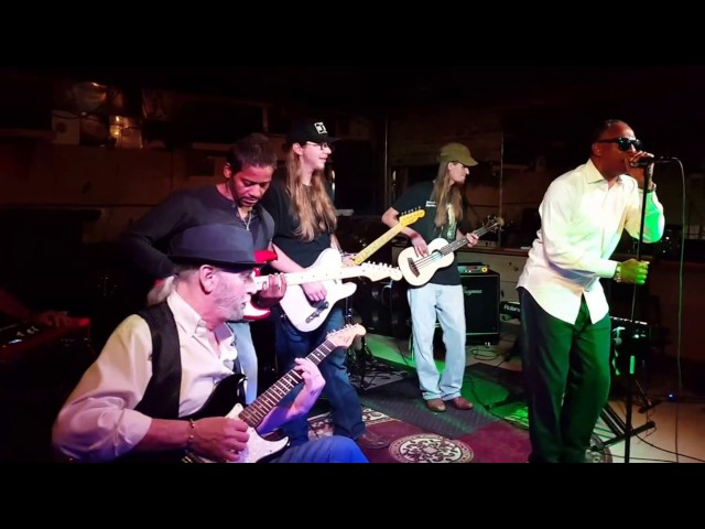 Wed Night Jam Session at Historic Grant's Lounge (John Ford Solo)