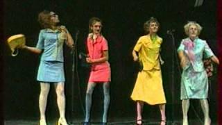 Лицедеи-Лицей - Три девицы(Захват 7 сентября 2010-го с канала ОРТ., 2010-12-15T00:44:32.000Z)