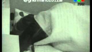 Repeat youtube video GRAN HERMANO 2012 - AILIN Y ALEX EN LA CAMA