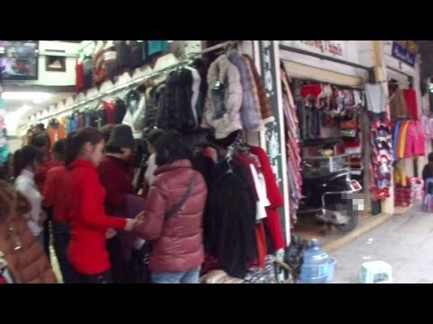 Clothes Shops in Hanoi Old Quarter, Vietnam (ベトナム ハノイ旧市街の洋服屋)