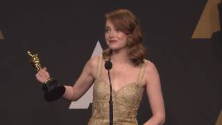 Emma Stone reacts to Oscar