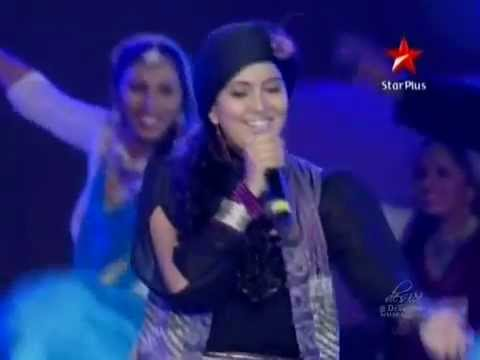 "Rockstar concert ""Ranbir promoting Rockstar""-Music ka Junoon (Harshdeep kaur) in HQ"
