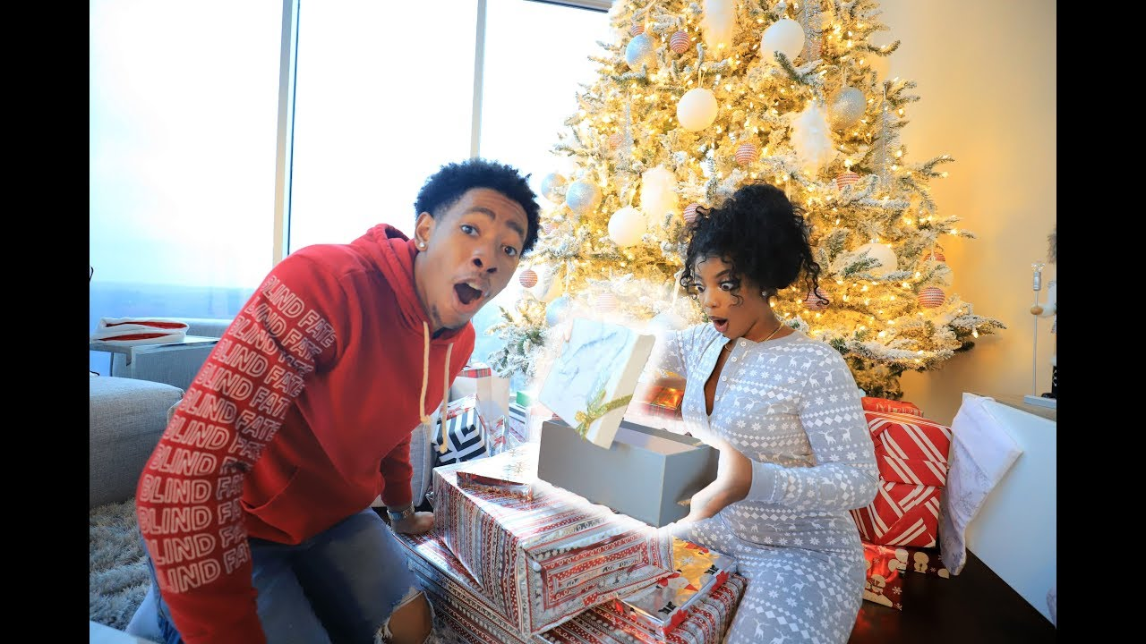 BOYFRIEND & GIRLFRIEND EARLY CHRISTMAS GIFT EXCHANGE (only using $50 ...