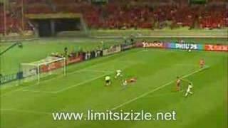 Hakan Şükürün 9.saniyede attğı gol Limitsizizle