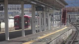 同時到着同時出発?の、篠ノ井駅2本の普通列車。