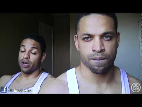 Pinning Your Shoulders Back While Bench Pressing @hodgetwins