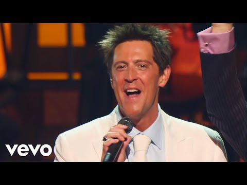 Gaither Vocal Band, Ernie Haase & Signature Sound - Holy Highway [Live]