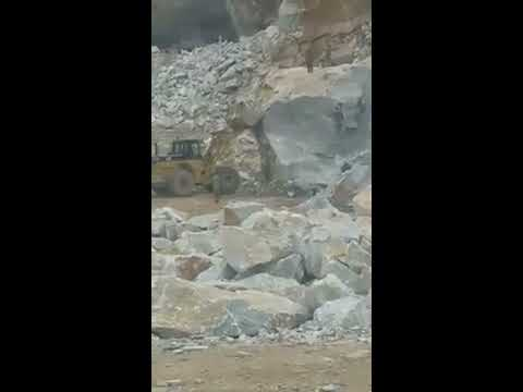stone-mining-from-mountain-for-marbles-in-pakistan- -marble-rock-mining- -drang-load-marble-block