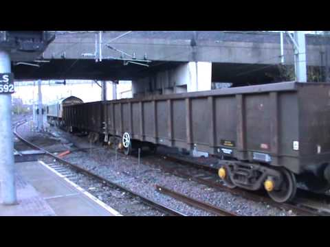 Stafford Railway Station 66952 Freightliner Leaving Platform 7 On Scrap On The 16-11-2015