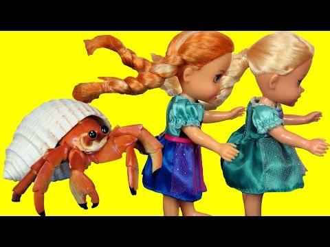 CRAB Encounter! Toddlers ELSA & ANNA at Beach - Afraid of CRABS - Mystery Treasure - Shopkins