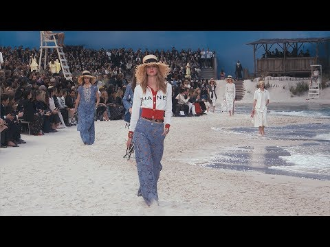 370c1e0d3d The Spring-Summer 2019 Ready-to-Wear Show — CHANEL - YouTube