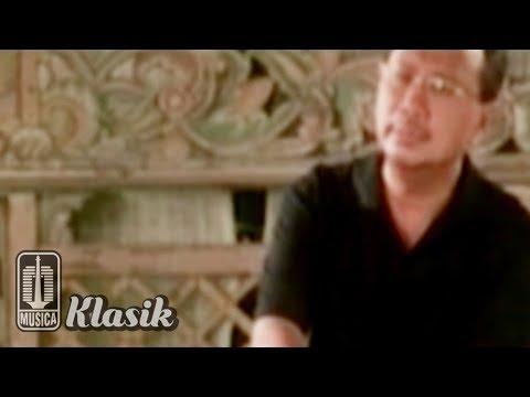 Ebiet G Ade - Bunga Bunga Cinta (Karaoke Video)