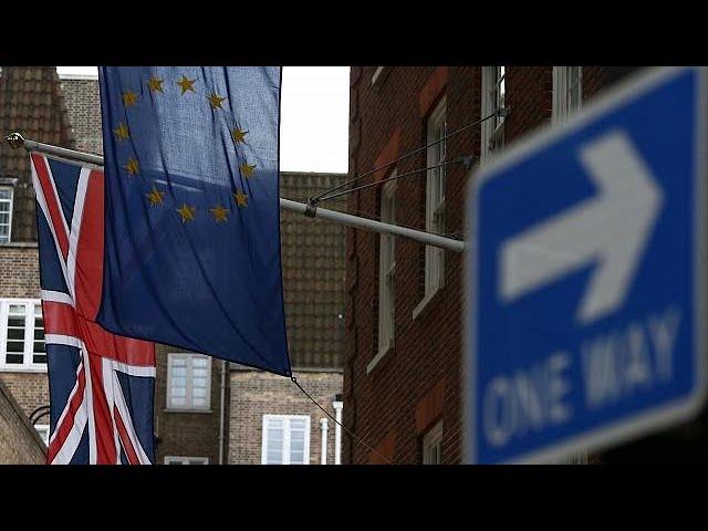UK seeks interim customs deal to avoid Brexit trade chaos
