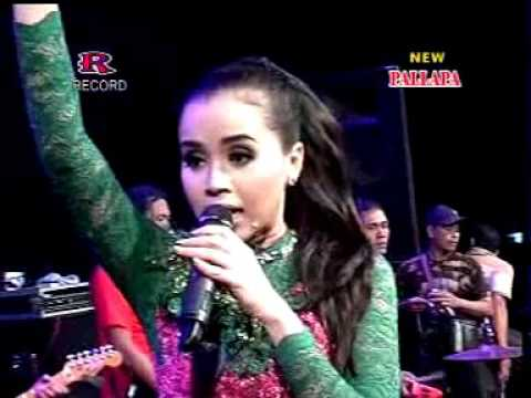 Nyidamsari Dwi Ratna New Pallapa Live Sumokembangsri BalongBendo Oktober 2015
