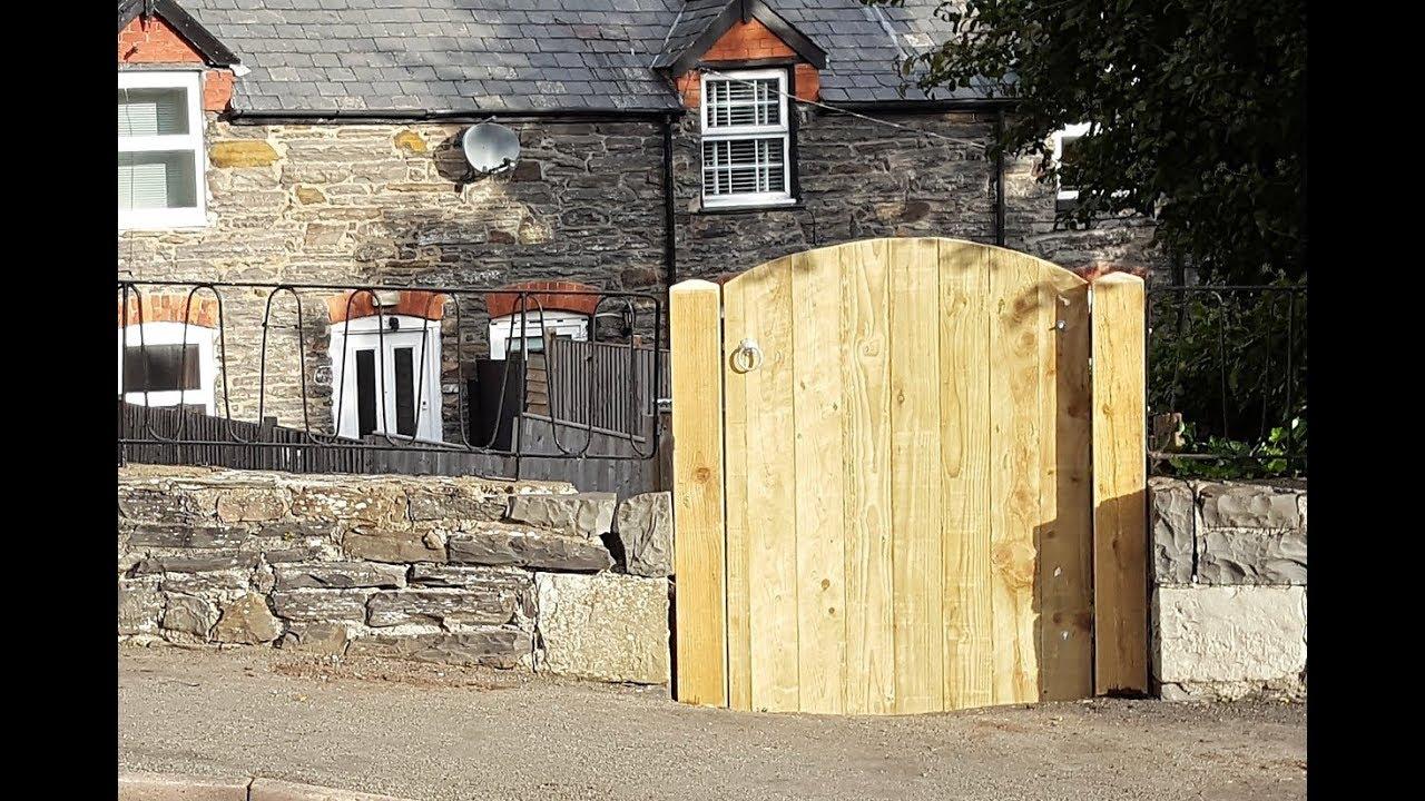 Make a Wood Garden Gate & Replacing Posts - DIY ...