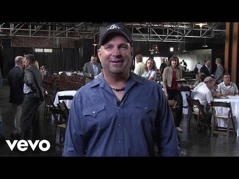 Garth Brooks Talks About New Music! (Spotlight Country)