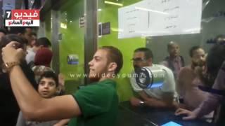 محمد رجب يتابع ايرادات صابر جوجل من داخل شباك التذاكر