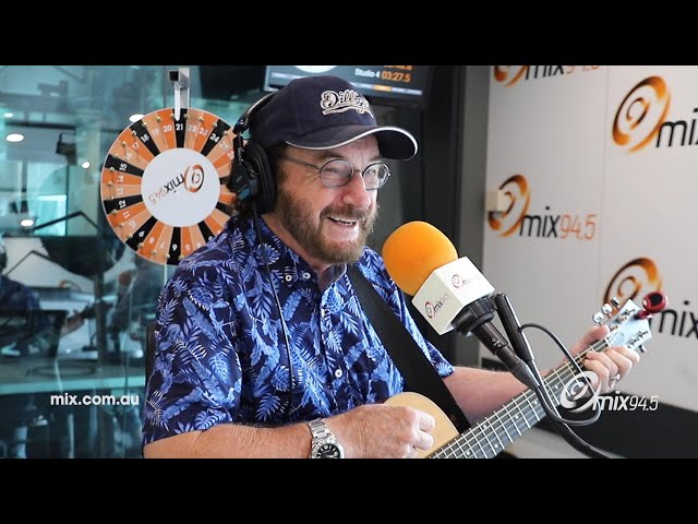 Of Course Kevin Bloody Wilson's Written A Song About Donald Trump 😜 | mix94.5