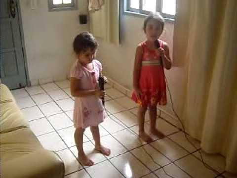 Lara e Dada erguer as mãos ( Cassiane)