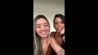 Vanessa interage com seus fãs
