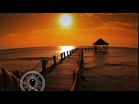 1 HOUR Calming Meditation Music & Ocean Waves Crashing for P